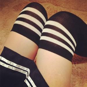 日系學生間條過膝長筒絲襪